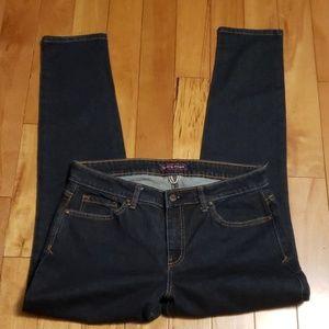 Tommy Hilfiger Curve Skinny Jean's size 32 waist